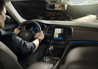 renault-talisman-estate-kfd-ph1-overview-003.jpg.ximg.l_full_m.smart